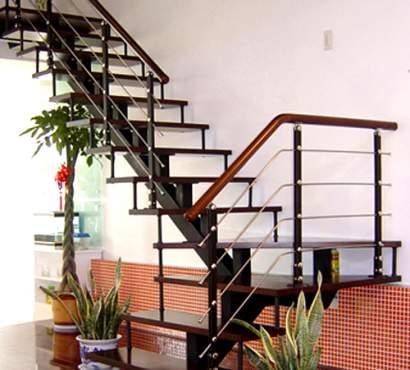 Thi công lắp đặt cầu thang